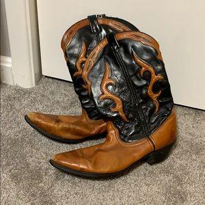 Dingo Cognac and Black cowboy boots